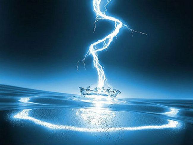 nước tinh khiết có dẫn điện không