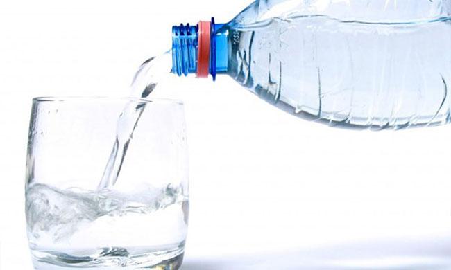 nước uống đóng bình loại nào tốt