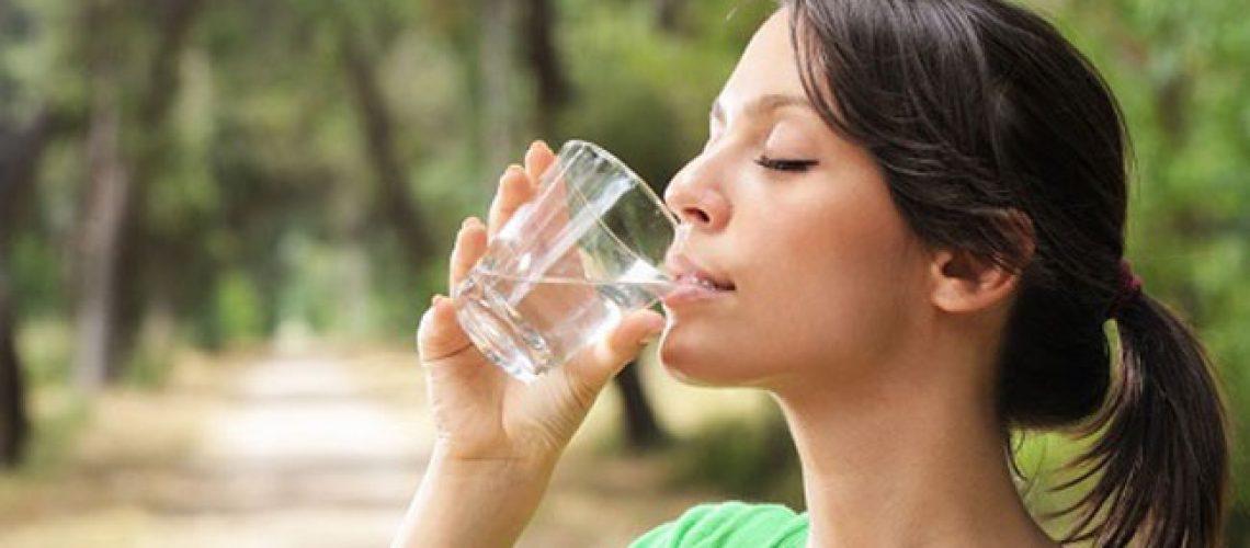 nước uống tinh khiết nào tốt
